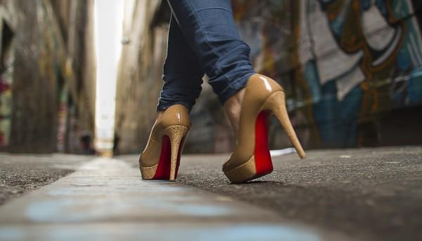 بالصور اتيكيت المشي للبنات بالصور , تعلمى اتيكيت المشى للفتيات