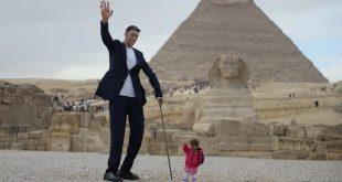 اطول رجل في العالم , صور عن اطول رجل موجود بالعالم