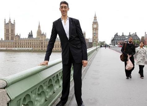 صورة اطول رجل في العالم , صور عن اطول رجل موجود بالعالم 6225 5