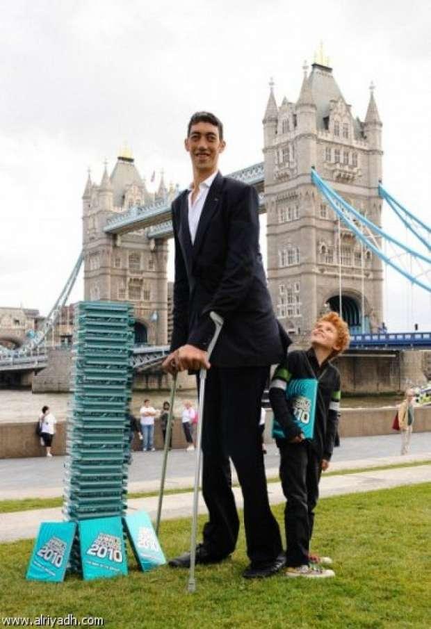 صورة اطول رجل في العالم , صور عن اطول رجل موجود بالعالم 6225 7