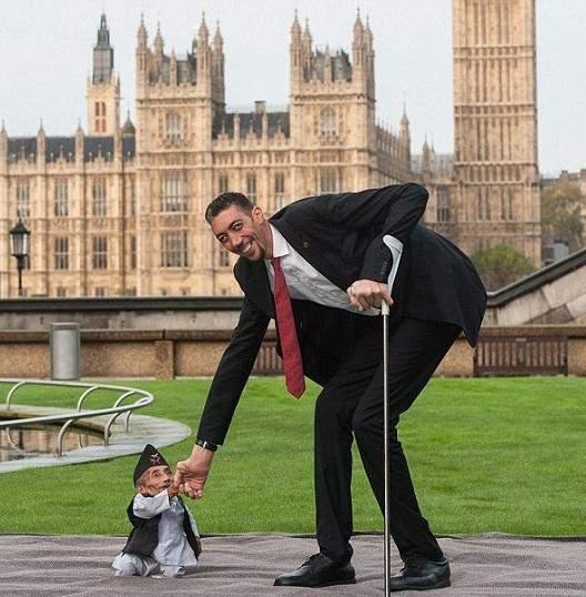 صورة اطول رجل في العالم , صور عن اطول رجل موجود بالعالم 6225 9