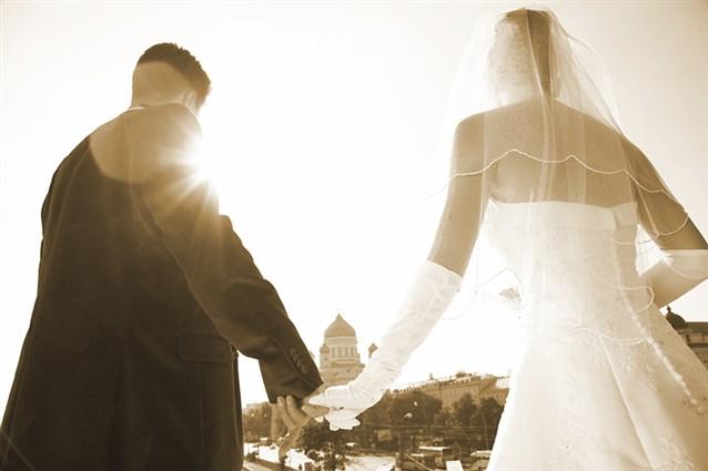 صور تفسير الاحلام الزواج للبنت من شخص تعرفه , رؤية العزباء تتزوج ممن تحبه فى الحلم