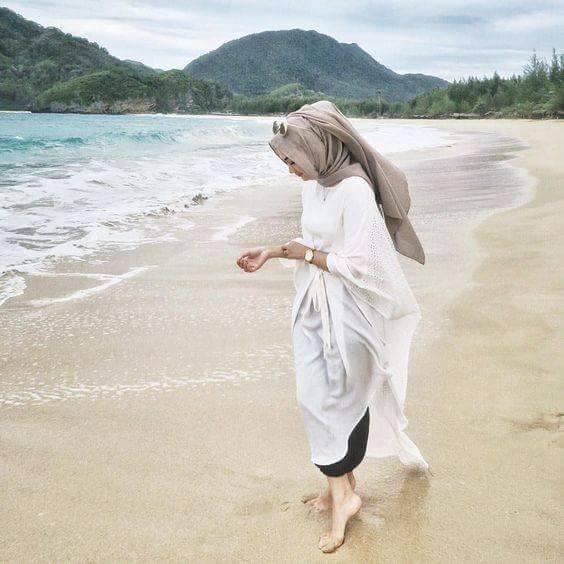 بالصور بنات في البحر , صور دلع الفتيات في البحر 4415 3