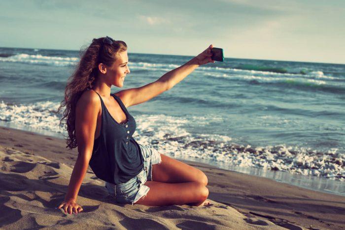 بالصور بنات في البحر , صور دلع الفتيات في البحر 4415 7