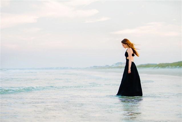 بالصور بنات في البحر , صور دلع الفتيات في البحر 4415 8