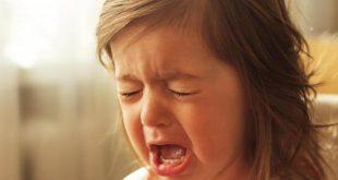 صوره طفلة تبكي , دموع الاطفال البريئة