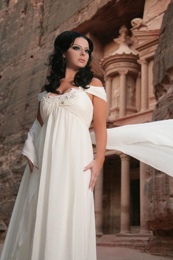 صورة فساتين سهرة للحوامل , تشكيله جديده لفساتين سواريه للحوامل 527 5