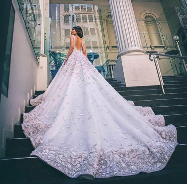 بالصور فساتين زفاف فخمه , احدث اصدارات فساتين الزفاف 1976 6