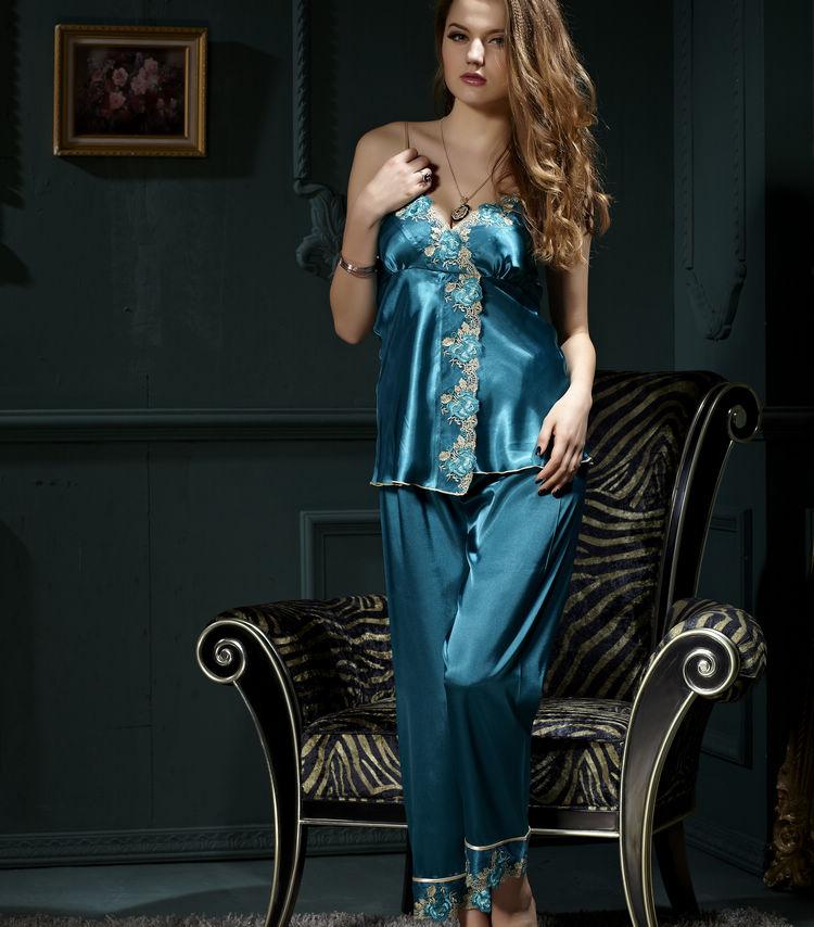 بالصور بيجامات عرايس , اجدد التشكيلات لملابس العرايس 217 5