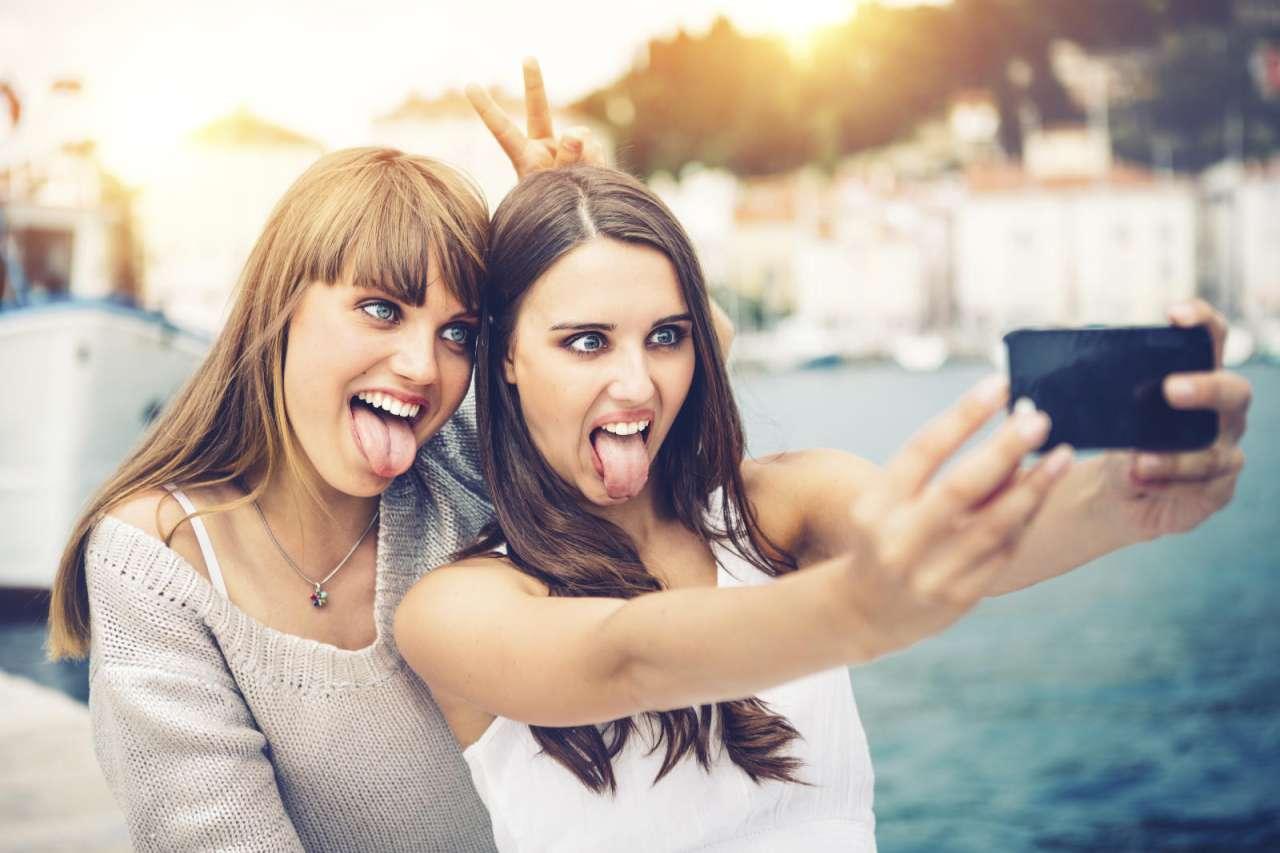 بالصور صور بنات اصدقاء , الصداقه واجمل ذكرياتها بالصور 384 5