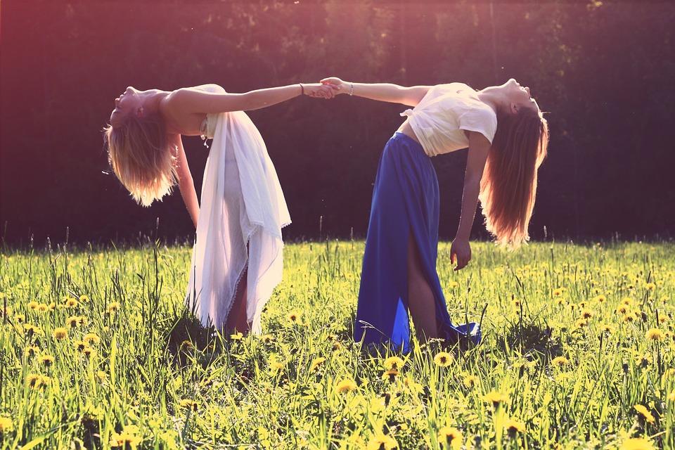 بالصور صور بنات اصدقاء , الصداقه واجمل ذكرياتها بالصور 384 9
