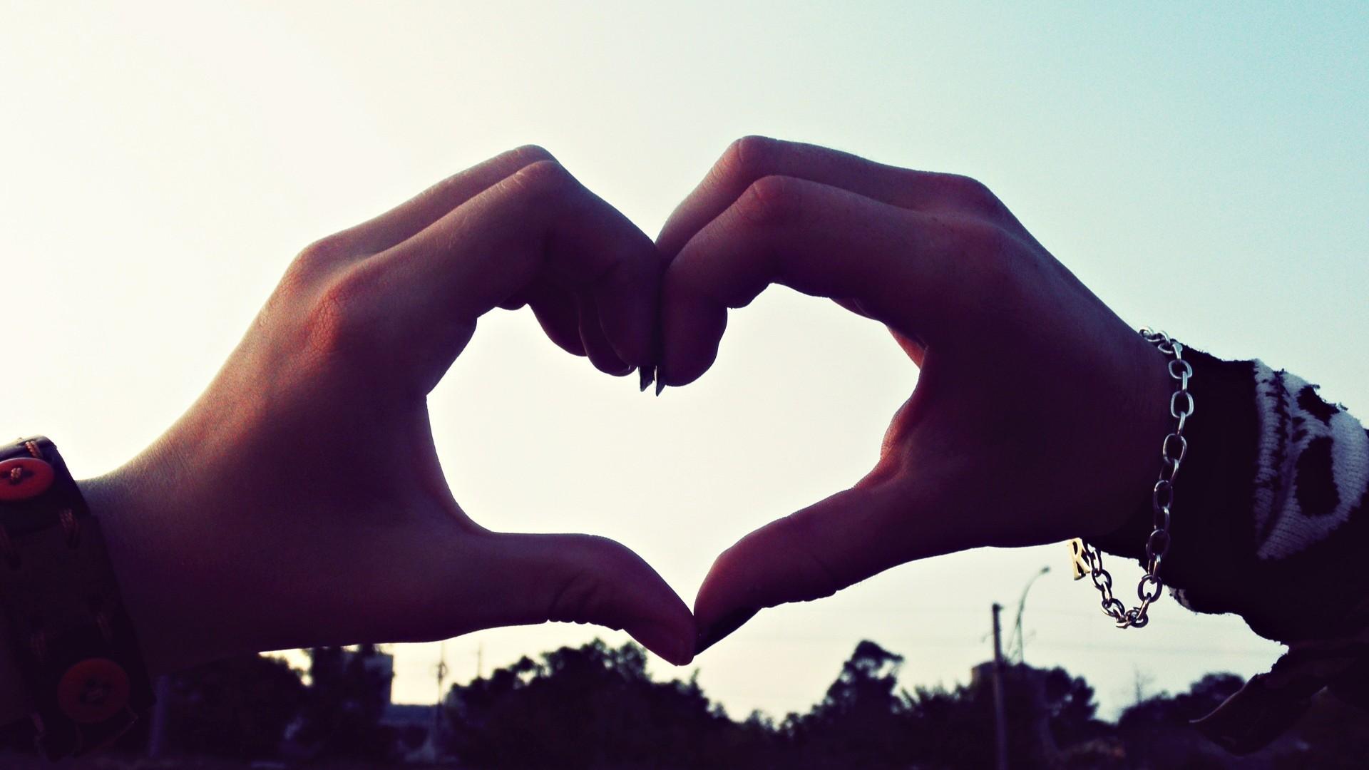 بالصور صور عن الحب , صور الحب والعشق وكلمات جميله 419 4