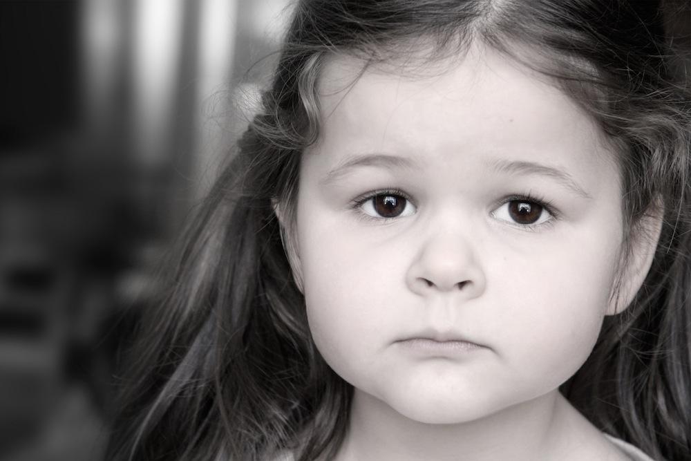 بالصور طفلة حزينة , اصعب لحظات بكاء الاطفال 641 2