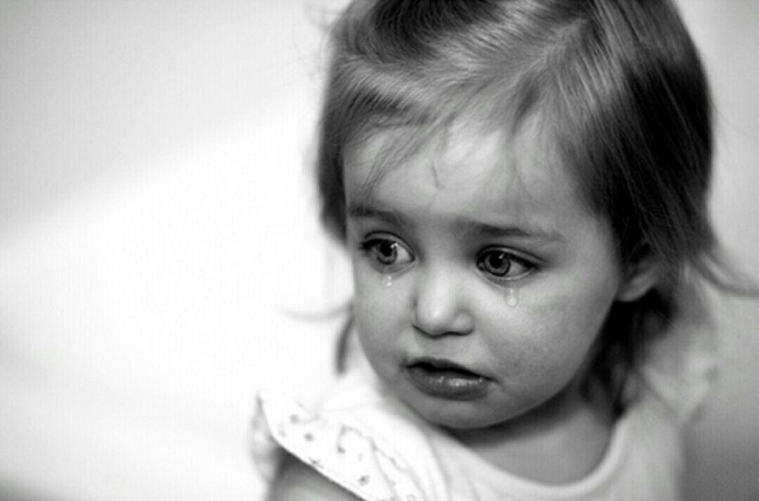 بالصور طفلة حزينة , اصعب لحظات بكاء الاطفال 641 5