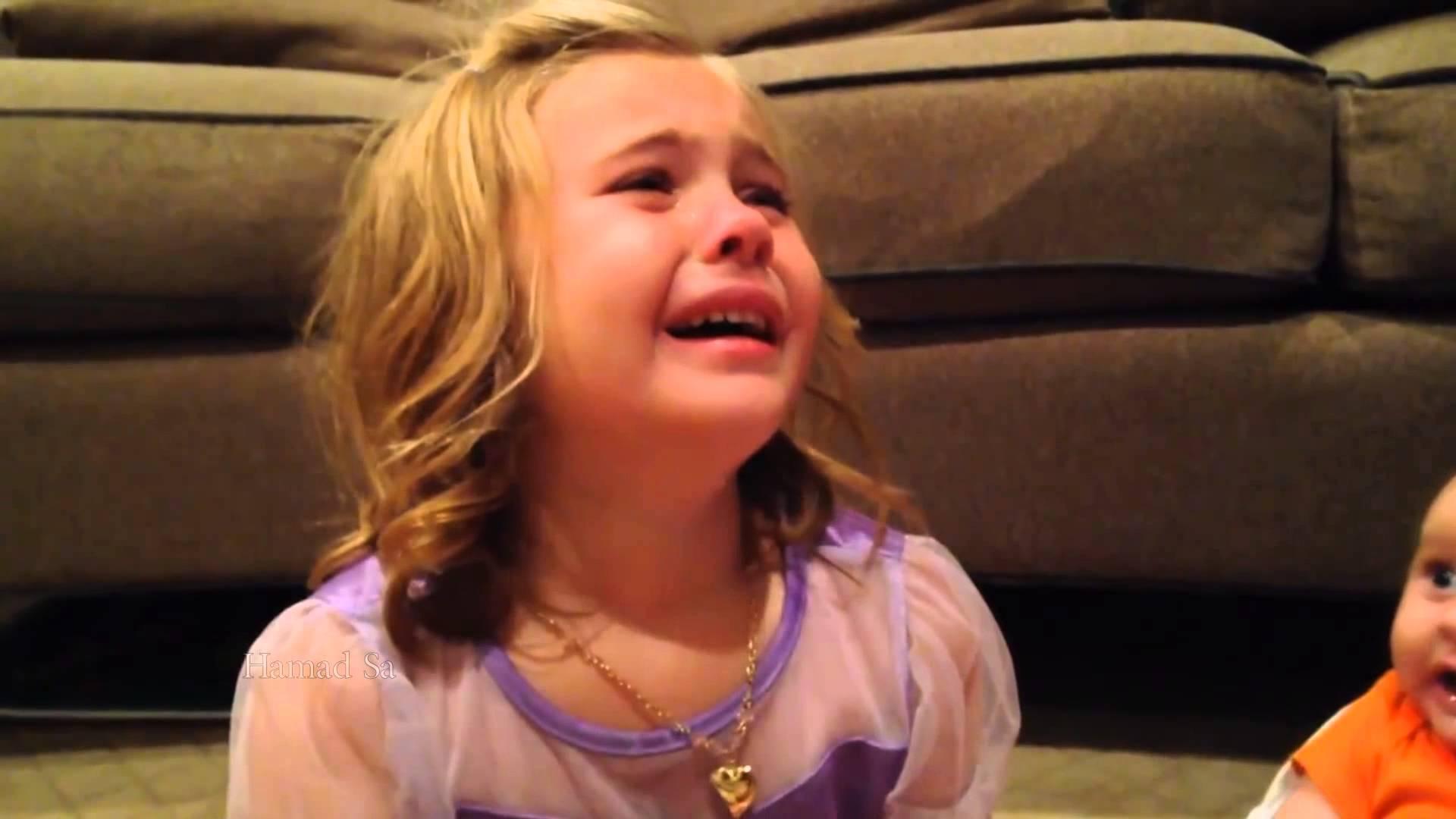بالصور طفلة حزينة , اصعب لحظات بكاء الاطفال 641 6