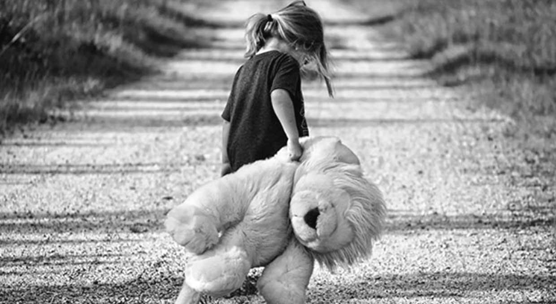 صوره طفلة حزينة , اصعب لحظات بكاء الاطفال