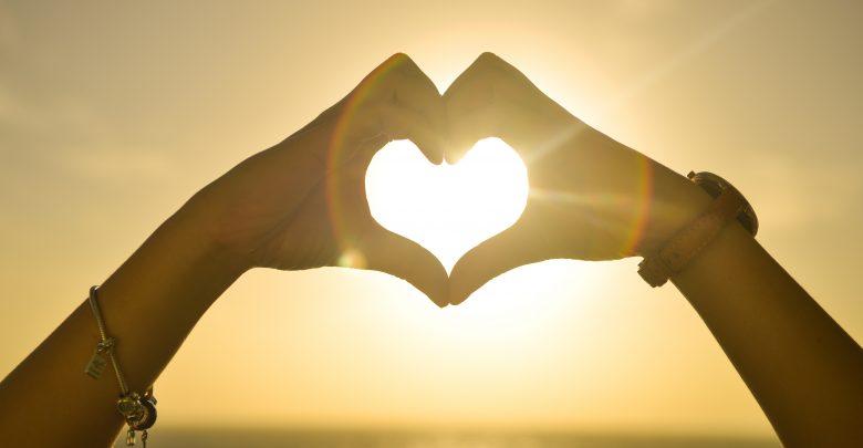 بالصور صور حب من غير كلام , بوستات حب بدون كلام 2728 10