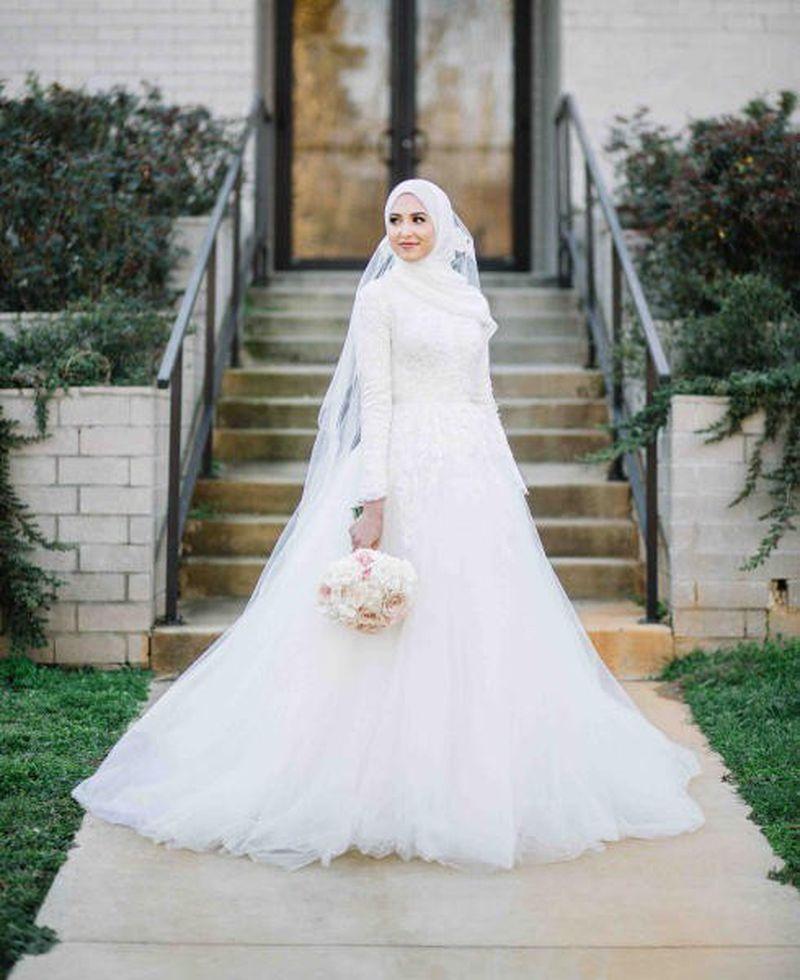 بالصور فساتين زفاف محجبات , اروع فساتين الزفاف 3143 1