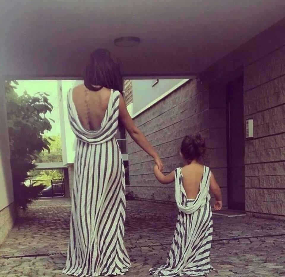 بالصور ام وبنتها بنفس اللبس , اجمل ملابس بين الام و بنتها 11651 2