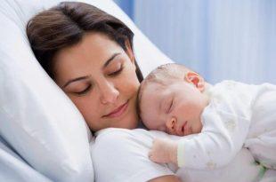 بالصور كيفية التعامل مع الطفل الرضيع , طريقة كيفية التعامل مع الطفل الرضيع 11757 2 310x205