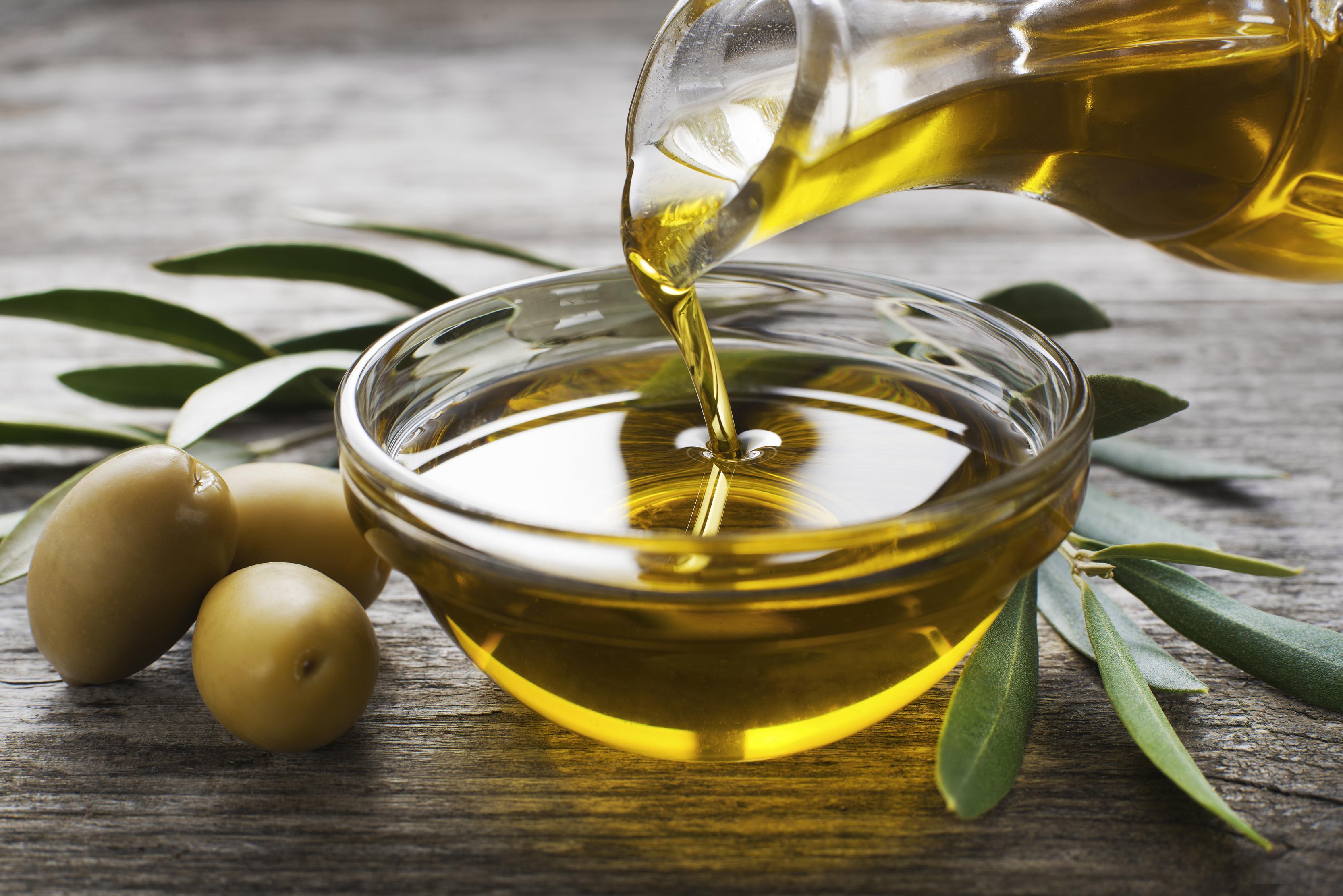 صورة علاج زيت الزيتون , ماذا يعلاج زيت الزيتون