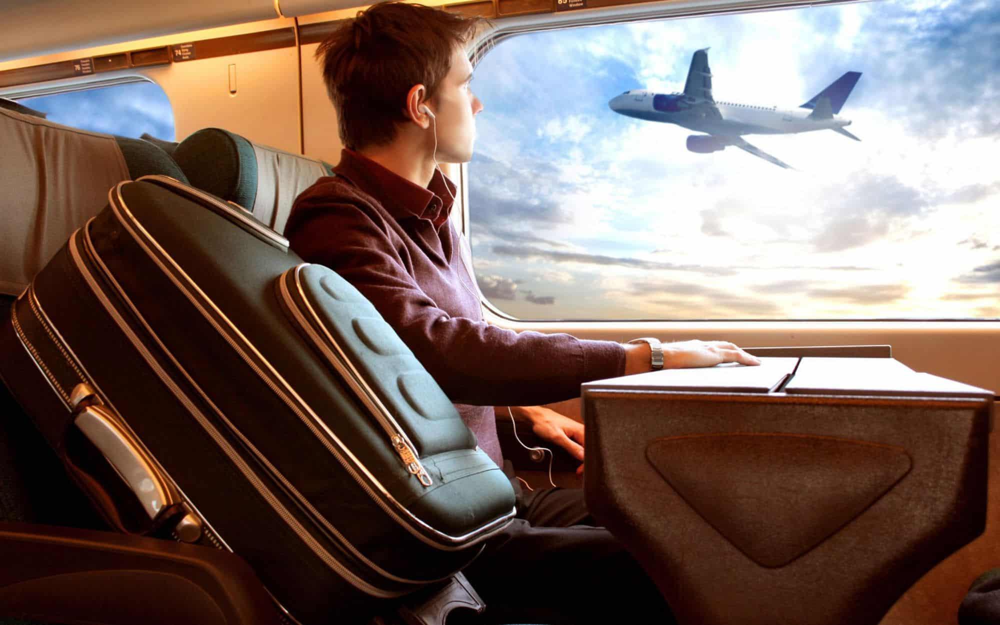 صور زوجي جاي من السفر , والحمد الله زوجي جاي من السفر