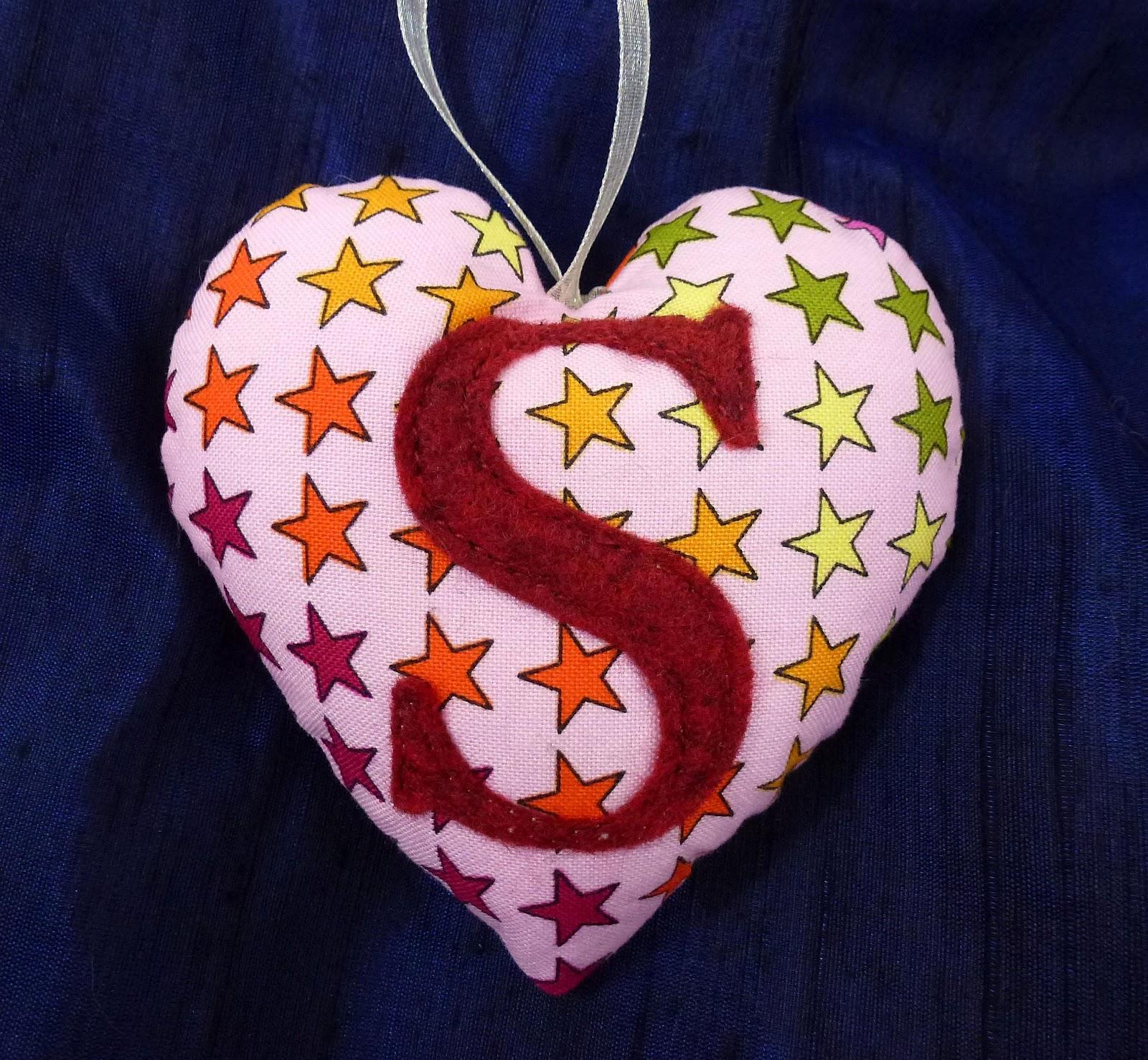 تنزيل حرف M على شكل قلب Shakal Blog