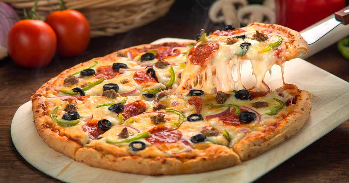 صورة طريقة عمل البيتزا في البيت , اطعم بيتزا منزليه