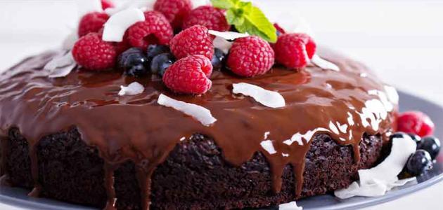 صورة طريقة تزيين كيكة الشوكولاته , شرح تزيين الكيكه بالشيكولاته 3456 5